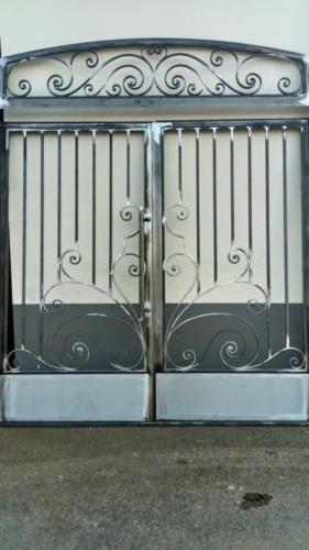 Porte de hall